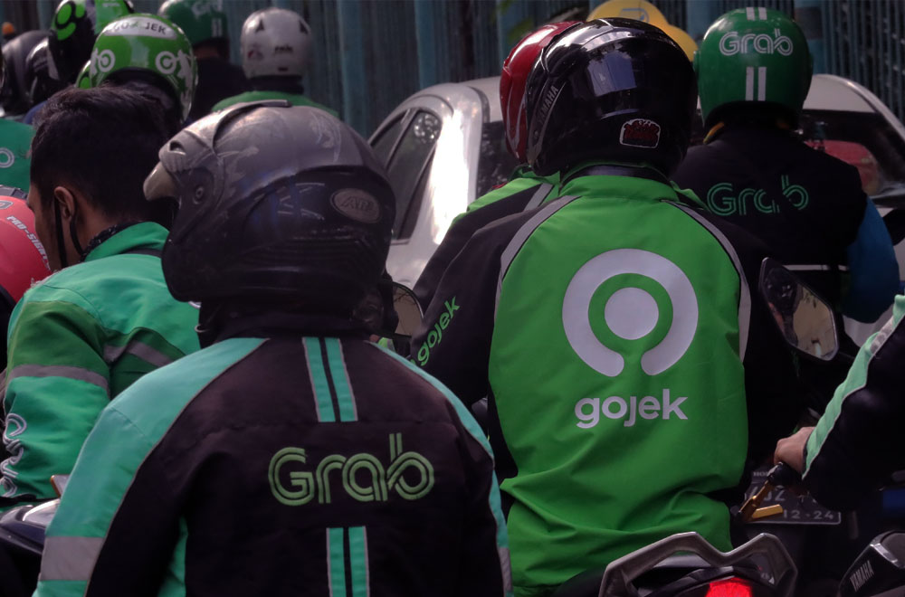 Grab Offers Transport Services